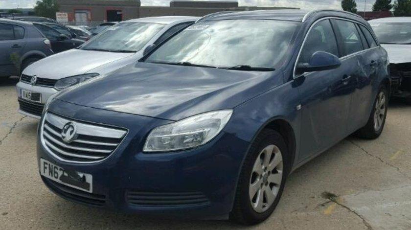 Dezmembrez Opel Insignia combi 2.0dti