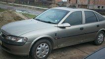 Dezmembrez Opel Vectra an 98 motor 1 8i 16 V