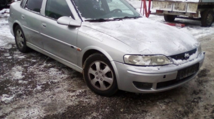 Dezmembrez Opel Vectra B, an 2001, motorizare 2.2 DTI 16V