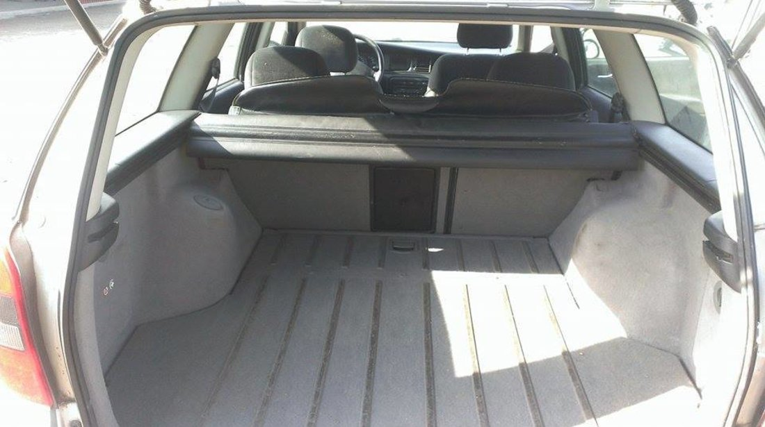 Dezmembrez Opel Vectra B Caravan 1.6 74 KW 2001