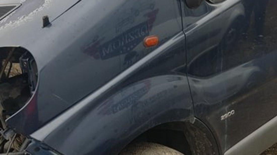 Dezmembrez Opel Vivaro mixt lung 1.9 cdti f9q 101 cai 6 trepte