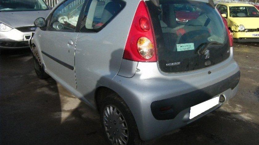 Dezmembrez Peugeot 107 an fabr. 2007, 1.1i