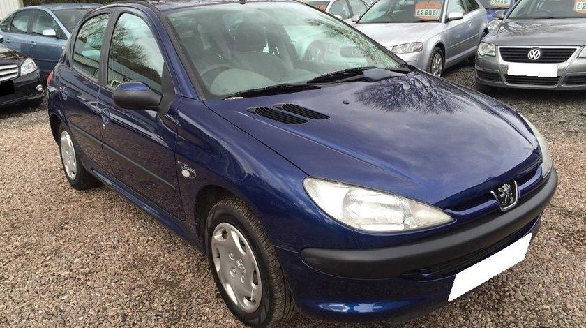Dezmembrez Peugeot 206 an fabr. 2003, 1.9D