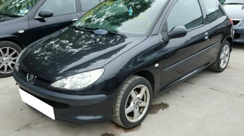 Dezmembrez Peugeot 206 an fabr. 2004, 1.4D HDi