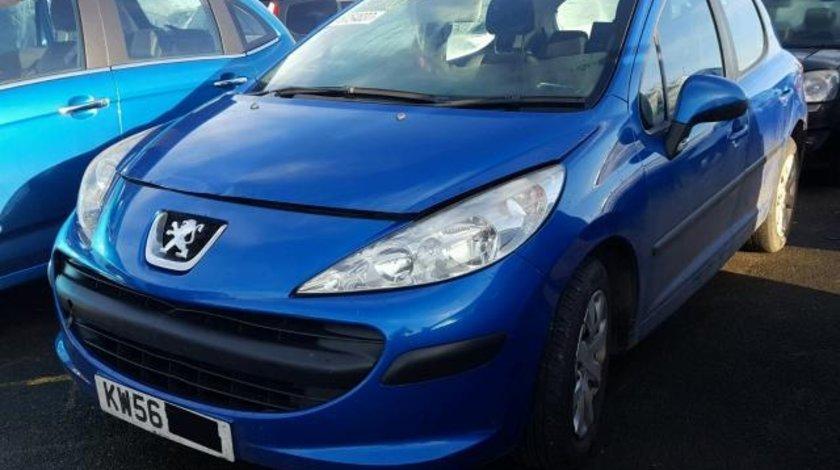 Dezmembrez Peugeot 207 1.4benzina