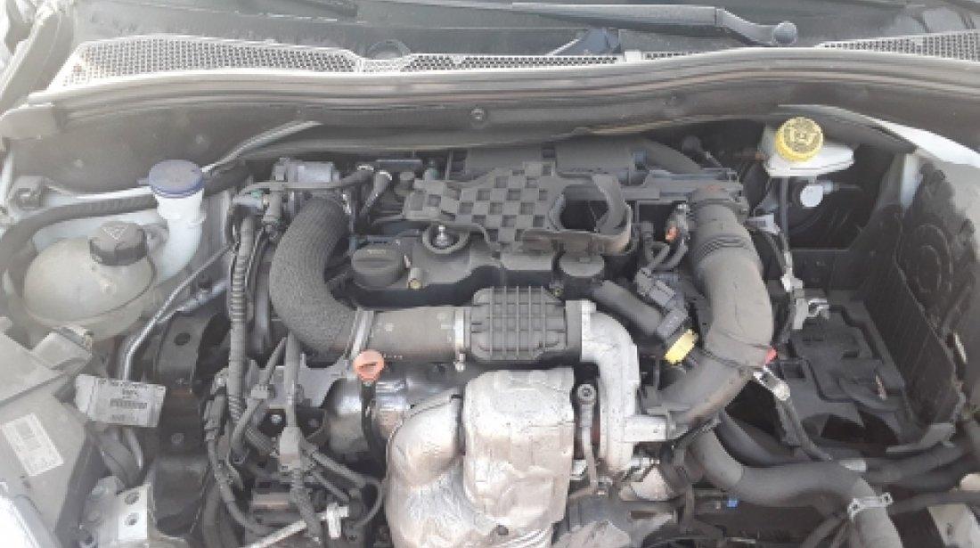 Dezmembrez Peugeot 208, an 2014, motorizare 1.4 HDI