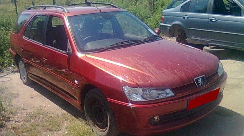 Dezmembrez Peugeot 306