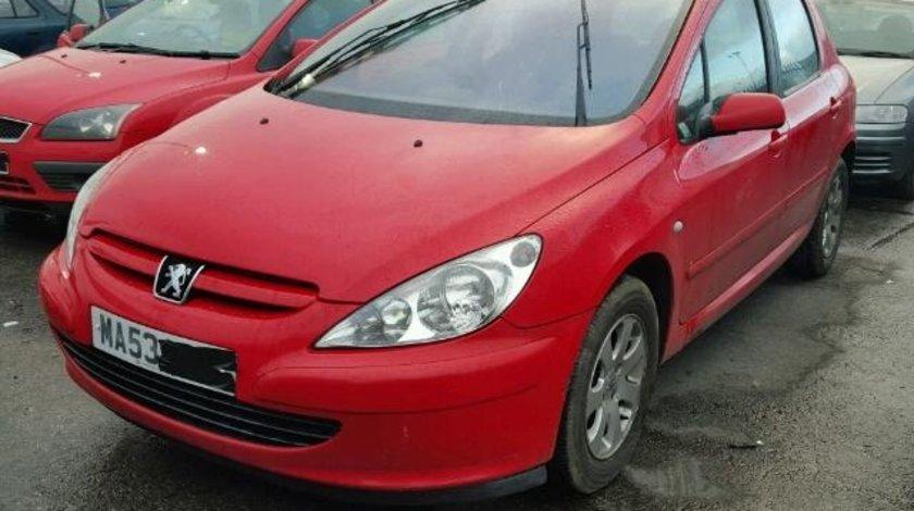 Dezmembrez Peugeot 307 1.4hdi 2003