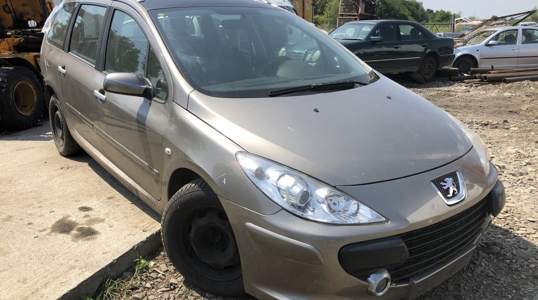 Dezmembrez Peugeot 307 sw 1,6 i 2006 facelift
