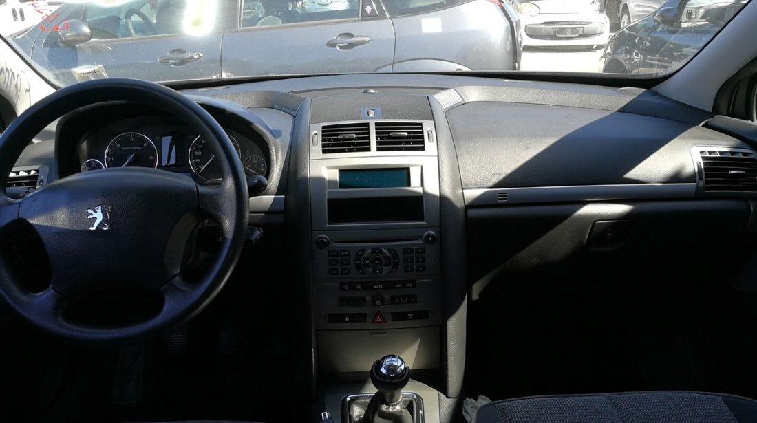 Dezmembrez Peugeot 407 1.6hdi an 2006 tip motor 9HZ
