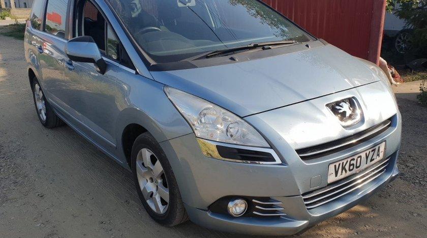 Dezmembrez Peugeot 5008 2010 monovolum 1.6hdi 9hz