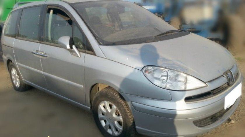 Dezmembrez Peugeot 807 2 0 HDI si 2 2 HDI an 2004