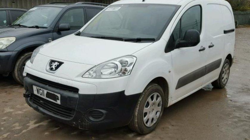 Dezmembrez Peugeot Partner 1.6hdi 2011