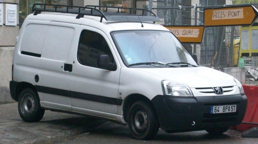 Dezmembrez Peugeot Partner 2 0 Hdi Rhy Injectie Siemens