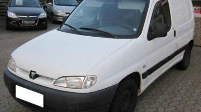 Dezmembrez Peugeot Partner 2005 2.0 HDI