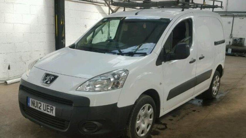 Dezmembrez Peugeot Partner 2010 1.6benz