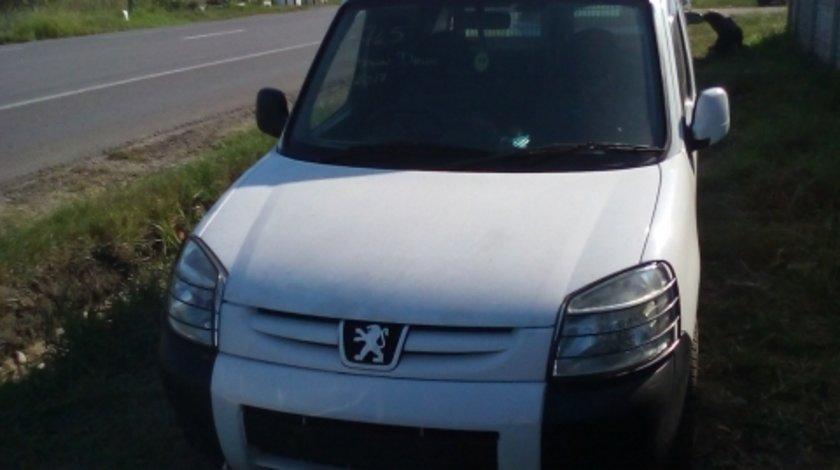 Dezmembrez Peugeot  Partner ,an 2006
