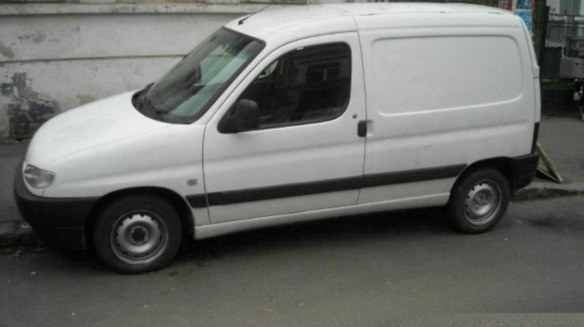 Dezmembrez Peugeot Partner an fabr.1998 1.9D
