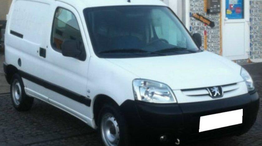 Dezmembrez Peugeot Partner an fabr.2001 1.6i