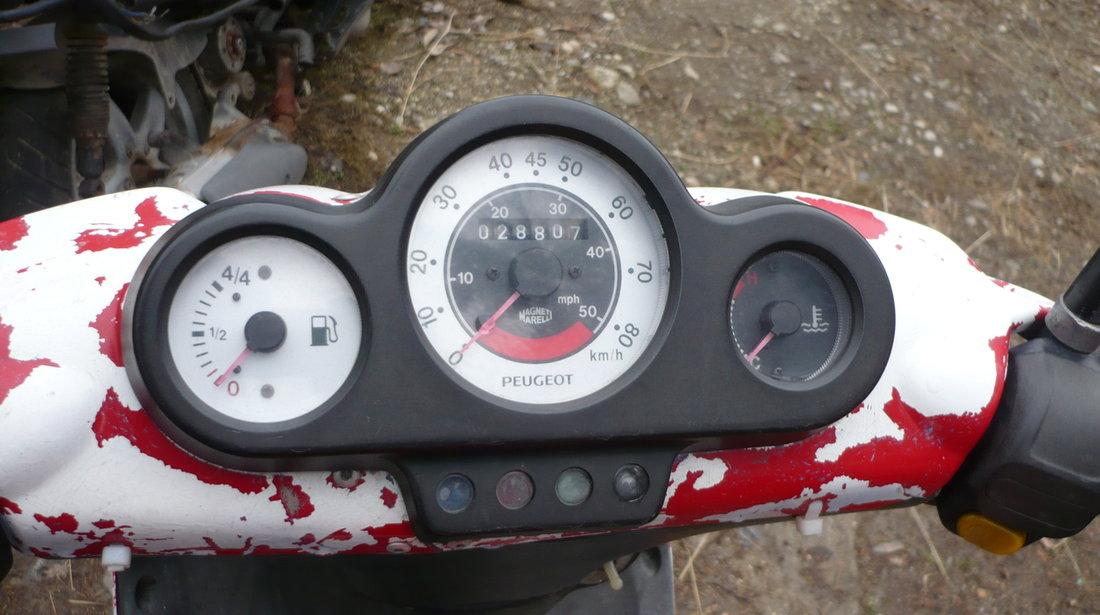 Dezmembrez Peugeot speedfight 2 Piese Peugeot speedfight 49 cm 2 T Apa