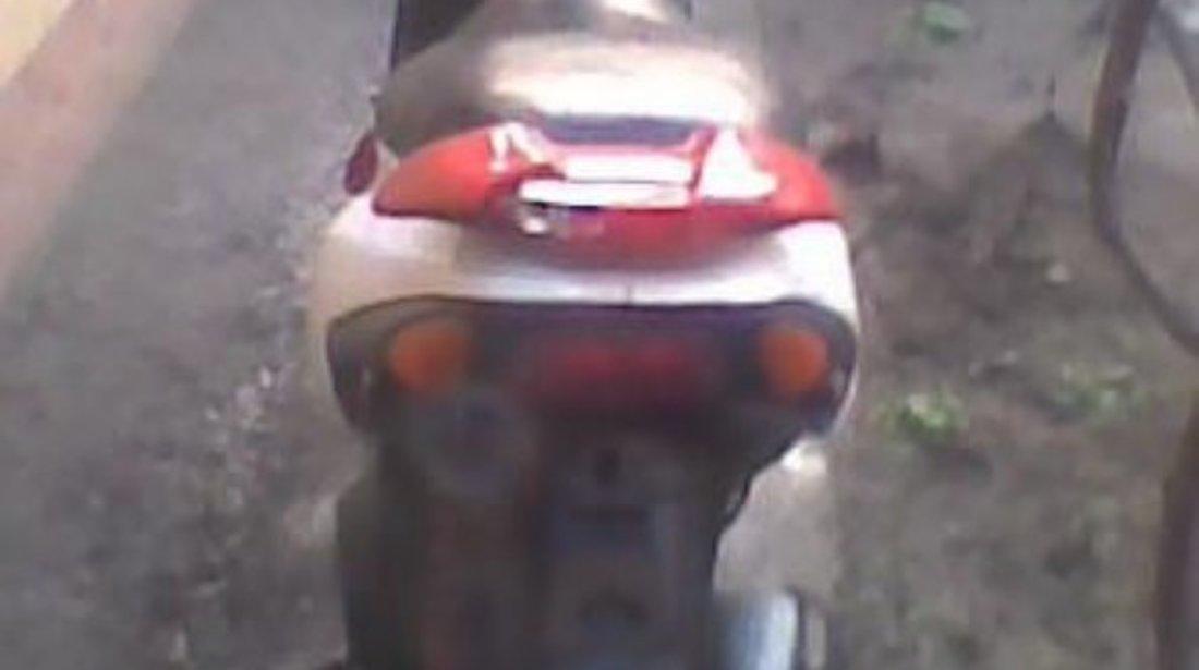 Dezmembrez Piaggio Nrg Mc2 Extreme Piese scuter Piaggio Nrg