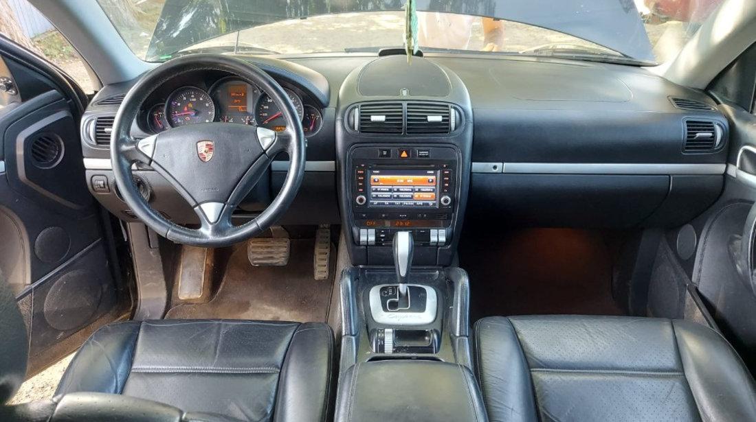 Dezmembrez Porsche Cayenne 2005 4x4 3.2 benzina