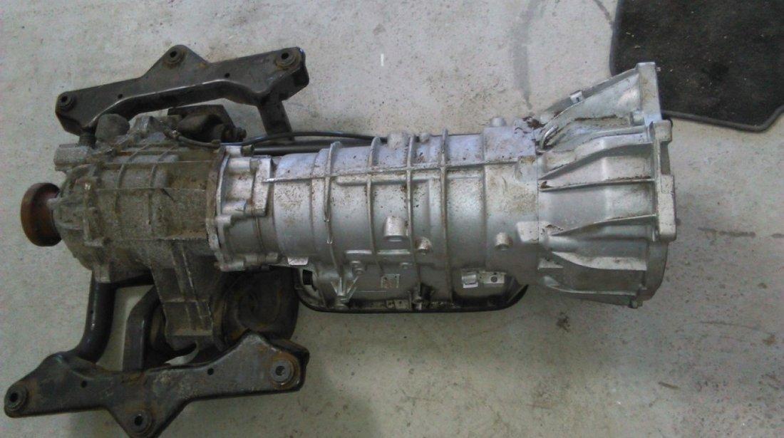 Dezmembrez range rover vogue 3.0 td6 4x4 m57d 177 cai