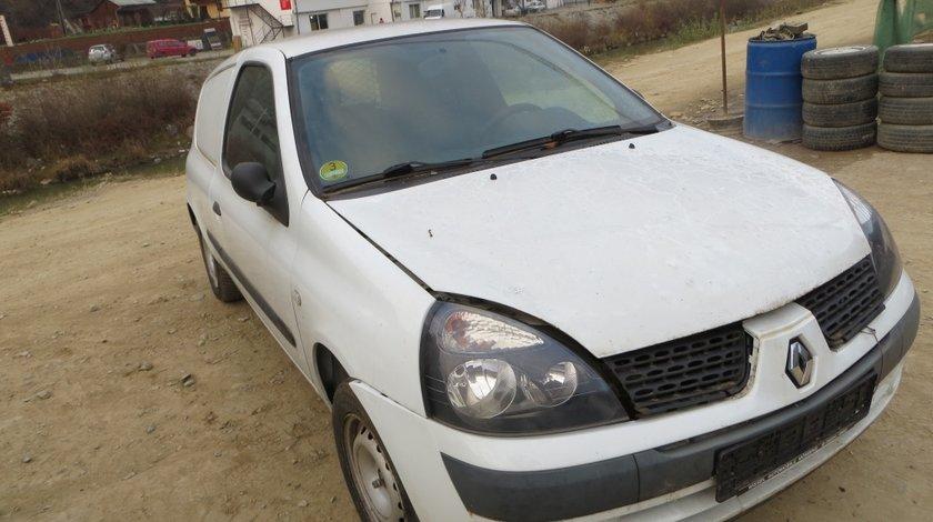 Dezmembrez Renault Clio 1.5 diesel 2005