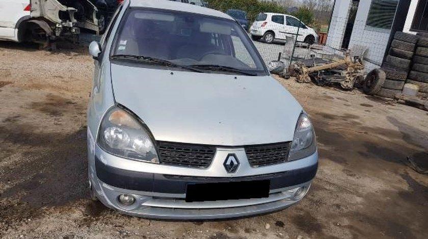 Dezmembrez Renault Clio 1.6i 16v (1598cc-79kw-107hp); 5-hatchback