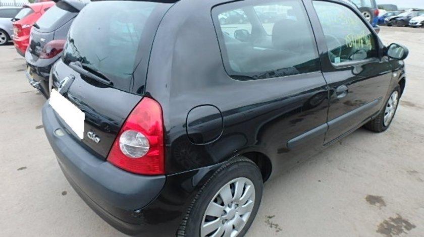 Dezmembrez Renault Clio 2, fabr. 2004, 1.2i 16V, FL