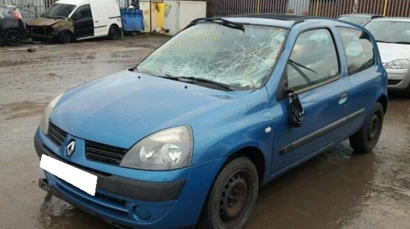 Dezmembrez Renault Clio 2, fabr. 2004, 1.2i 16V