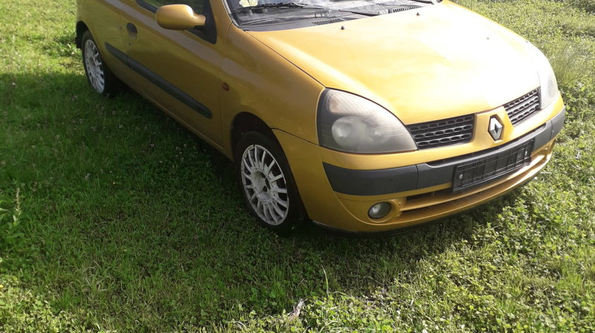 Dezmembrez Renault Clio 2001-2006