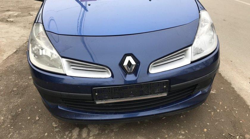 Dezmembrez Renault Clio 3 1.5 2008