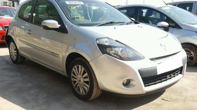 Dezmembrez Renault Clio 3, fabr. 2012, 1.2i 16V, FL