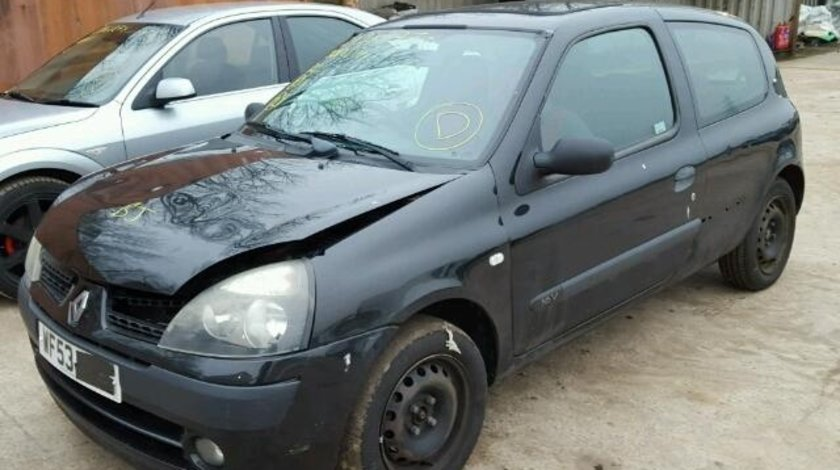 Dezmembrez Renault Clio Coupe 2003, 1.2b