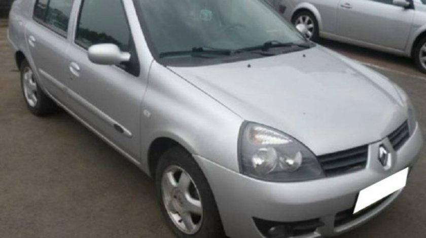 Dezmembrez Renault Clio II Symbol 1.4i, an fabr 2004