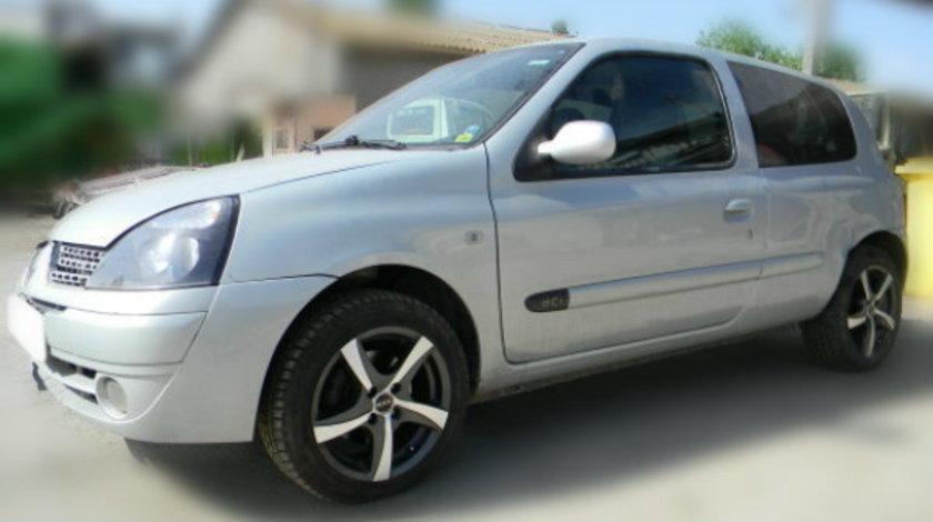 Dezmembrez Renault Clio II Symbol an fabr.2004, 1.2i