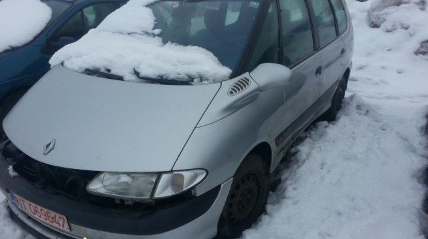 Dezmembrez Renault Espace 2 0i An 2000