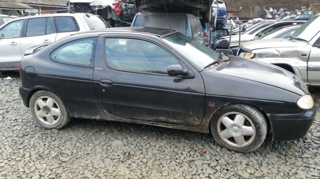 Dezmembrez Renault Megane 1.6 Benzina an fab. 1999