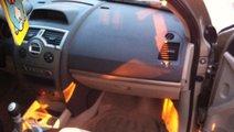 Dezmembrez renault megane 2 sedan facelift 1.9 dci...
