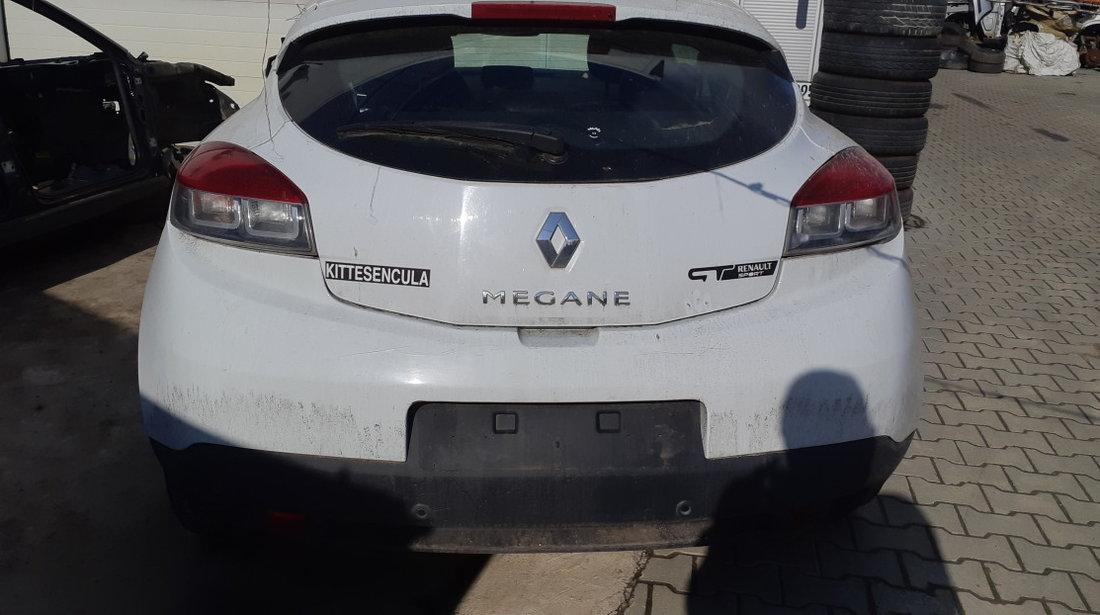 Dezmembrez Renault Megane 3, 2.0 diesel, an 2010