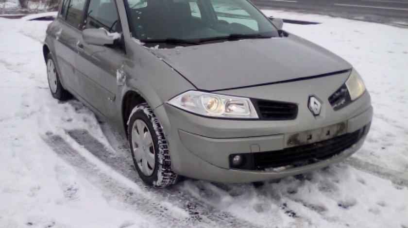Dezmembrez Renault Megane II, an 2007, motorizare 1.5 DCI