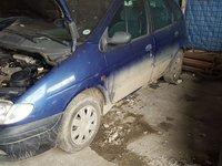 Dezmembrez Renault Scenic 1.4 8 valve an 1998