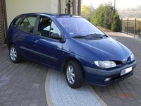 Dezmembrez Renault Scenic 1.9 DTI