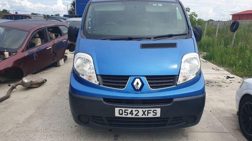 Dezmembrez Renault Trafic 2.0 dCi 115 cai motor M9R an 2012