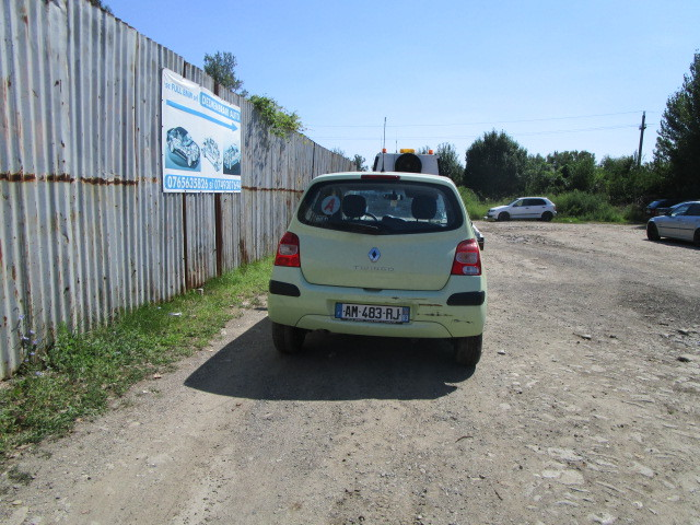 Dezmembrez Renault Twingo