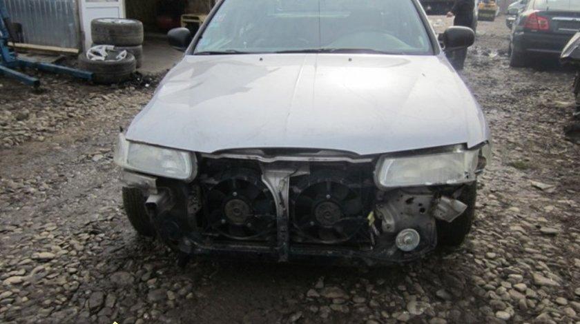 Dezmembrez Rover 400 2 0di
