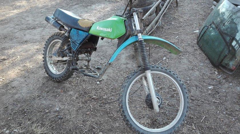 Dezmembrez Sau Vand Motocicleta Teren Kawasaki KL 250 cm 4 T Fara Motor