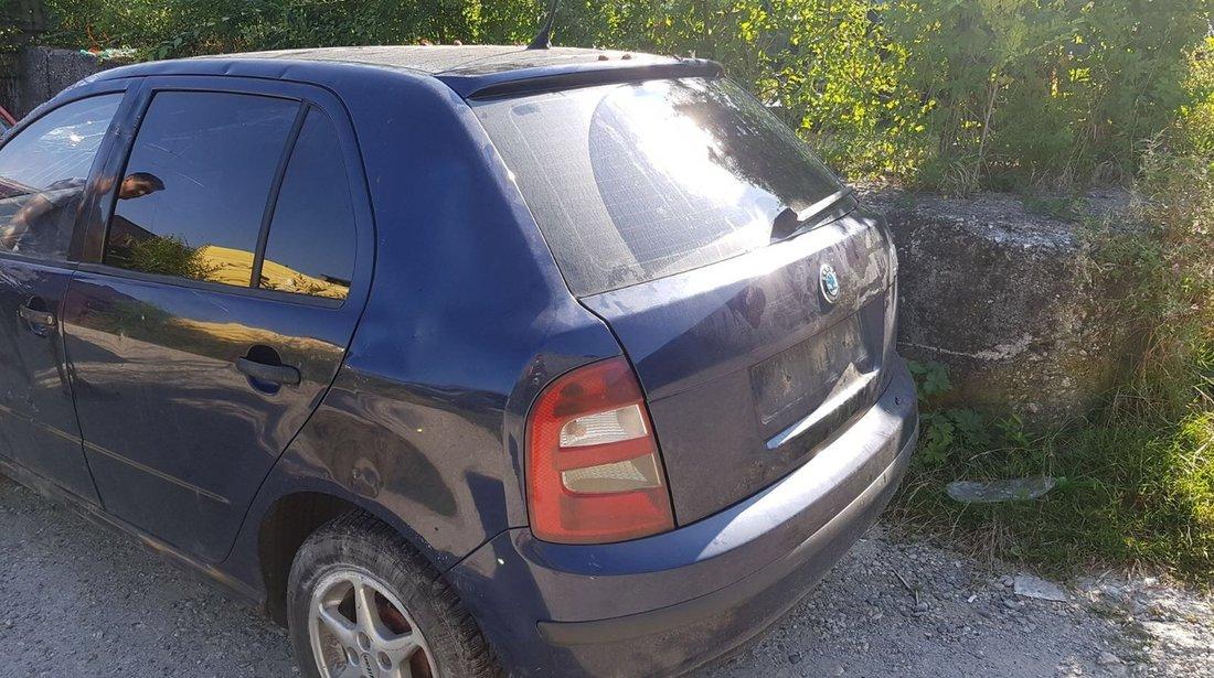 Dezmembrez Skoda Fabia an 2004 motor 1.4