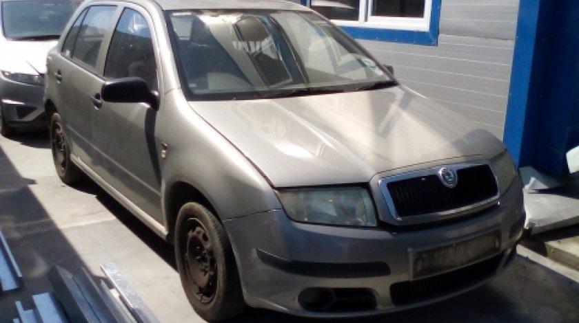 Dezmembrez Skoda Fabia, an 2006, motorizare 1.2